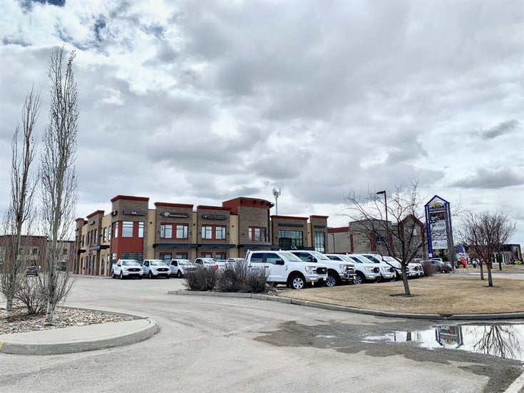 103, 10625 West Side Drive - Westside Park. Business for sale(A1095855)