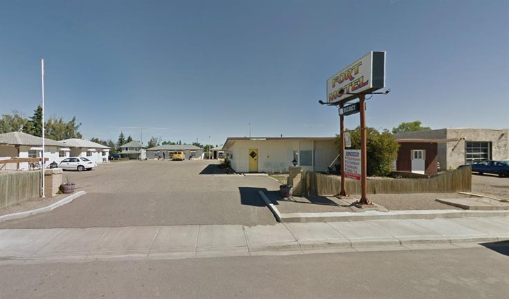 451 24 Street - Other Hotel/Motel for sale(A1144917)