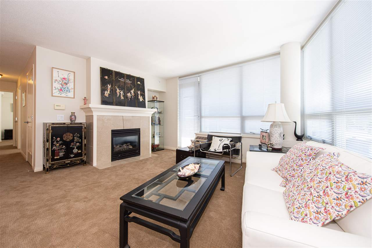 905 1570 W 7TH AVENUE - Fairview VW Apartment/Condo for sale, 2 Bedrooms (R2371045)