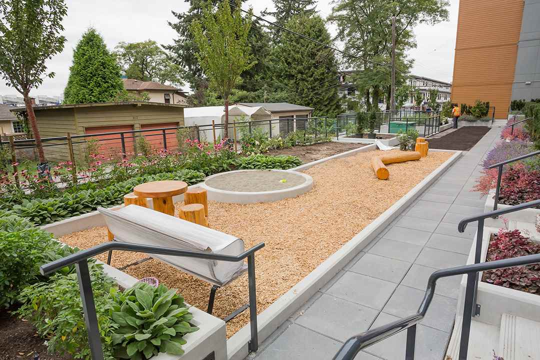 105 625 E 3RD STREET - Lower Lonsdale Apartment/Condo for sale, 2 Bedrooms (R2396341) - #11