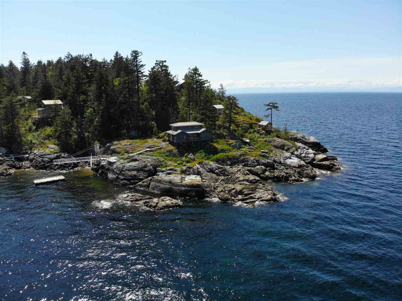 21-22 PASSAGE ISLAND - Howe Sound House/Single Family for sale, 2 Bedrooms (R2412224) - #1