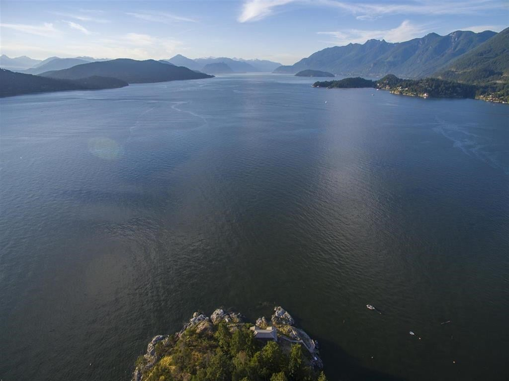 21-22 PASSAGE ISLAND - Howe Sound House/Single Family for sale, 2 Bedrooms (R2412224) - #2