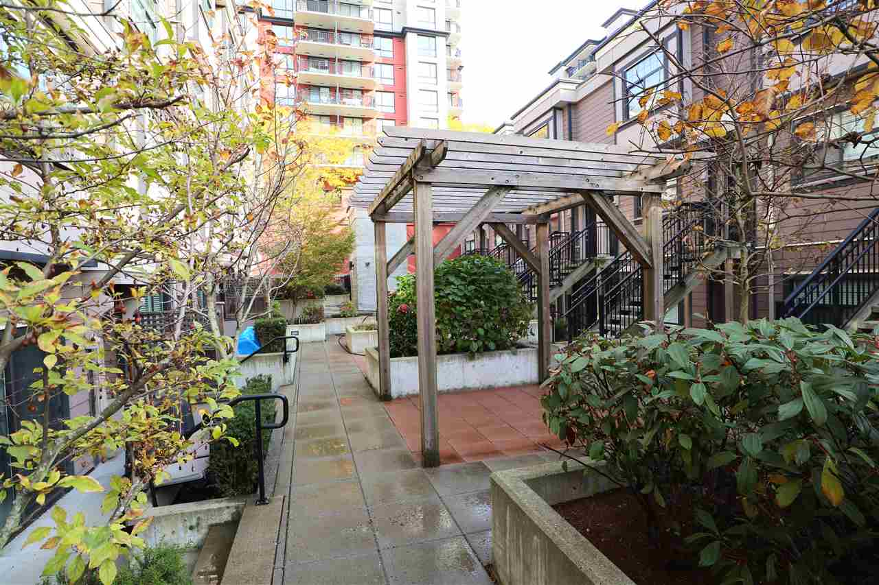 108 828 ROYAL AVENUE - Downtown NW Townhouse for sale, 2 Bedrooms (R2418154) - #19