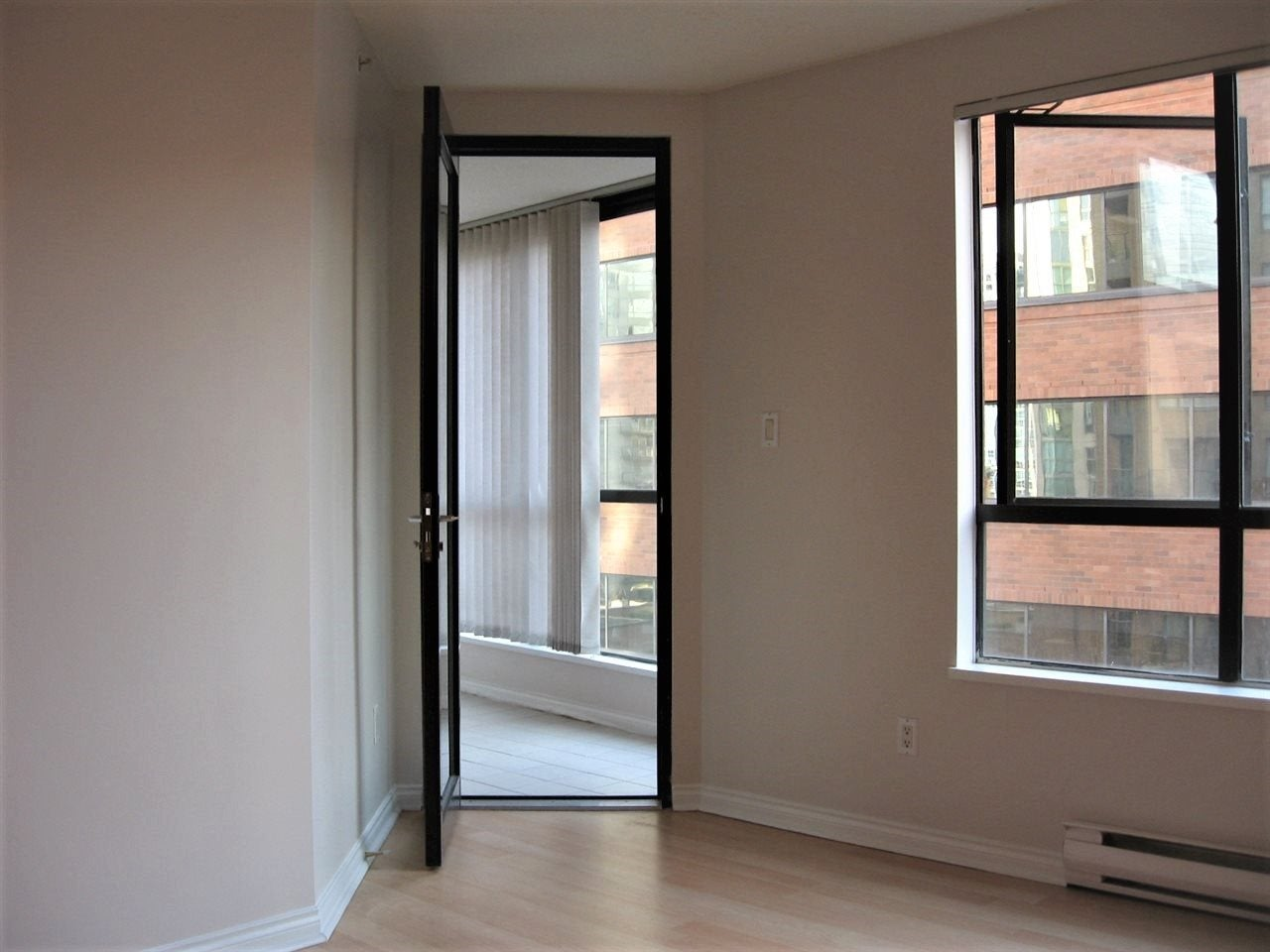 801 1189 HOWE STREET - Downtown VW Apartment/Condo for sale, 1 Bedroom (R2423012) - #3