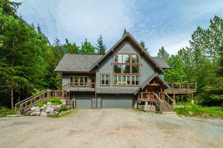 2170 WALL STREET - Upper Squamish House with Acreage for sale, 5 Bedrooms (R2425651)