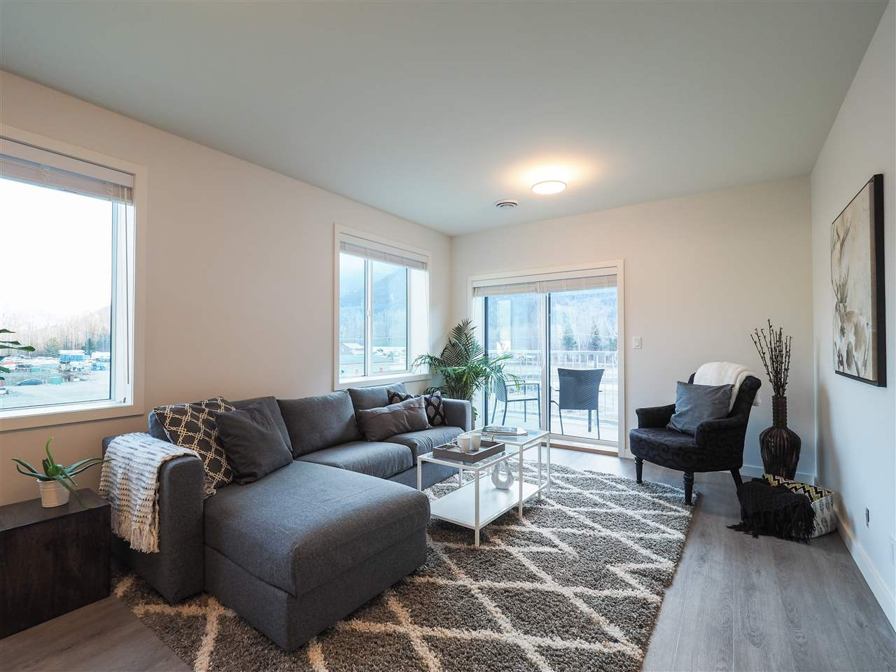 201 7322 OLD MILL ROAD - Pemberton Apartment/Condo for sale, 2 Bedrooms (R2431256)