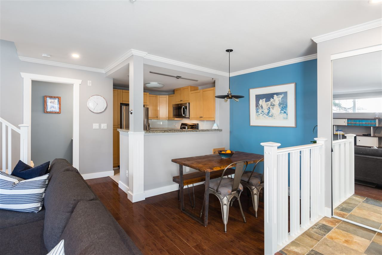 4 1073 LYNN VALLEY ROAD - Lynn Valley Townhouse for sale, 2 Bedrooms (R2435814) - #2