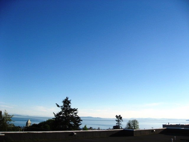 207 1341 GEORGE STREET - White Rock Apartment/Condo for sale, 1 Bedroom (R2438566)