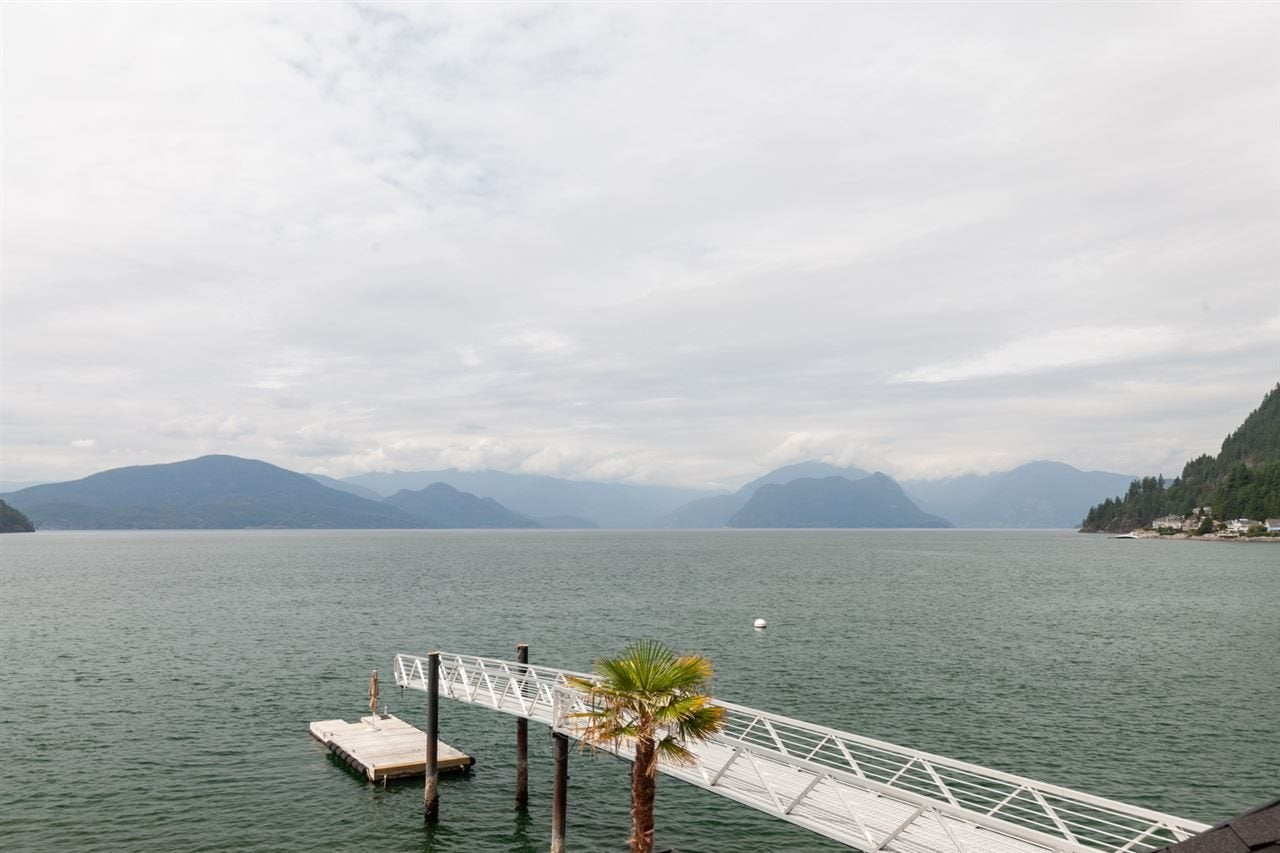 2 STRACHAN POINT ROAD - Howe Sound House/Single Family for sale, 3 Bedrooms (R2440462) - #1