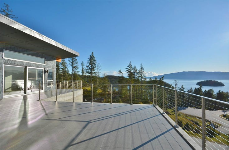 13300 PENDER LANDING ROAD - Pender Harbour Egmont House with Acreage for sale, 3 Bedrooms (R2443053)