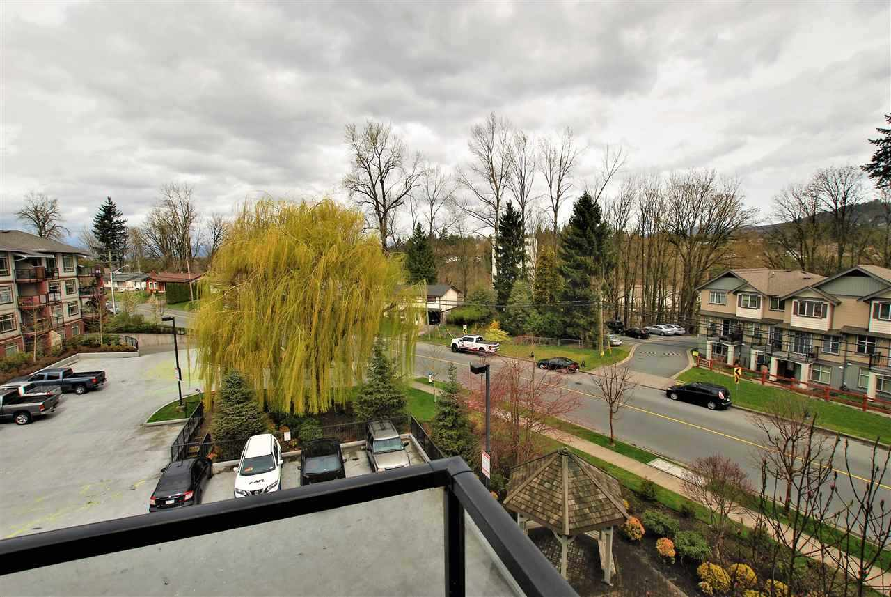 432 2233 MCKENZIE ROAD - Central Abbotsford Apartment/Condo for sale, 1 Bedroom (R2443893) - #1