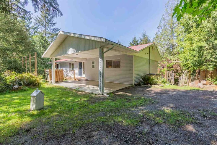 594 FERNHILL ROAD - Mayne Island House/Single Family for sale, 3 Bedrooms (R2444537)