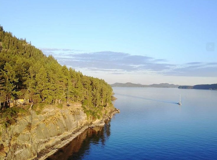 146 PHILLIMORE POINT ROAD - Galiano Island Recreational for sale, 3 Bedrooms (R2445738)