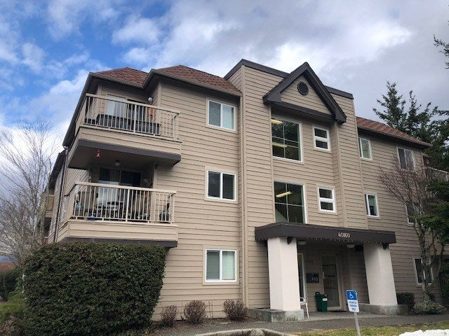 D305 40160 WILLOW CRESCENT - Garibaldi Estates Apartment/Condo for sale, 2 Bedrooms (R2446523)