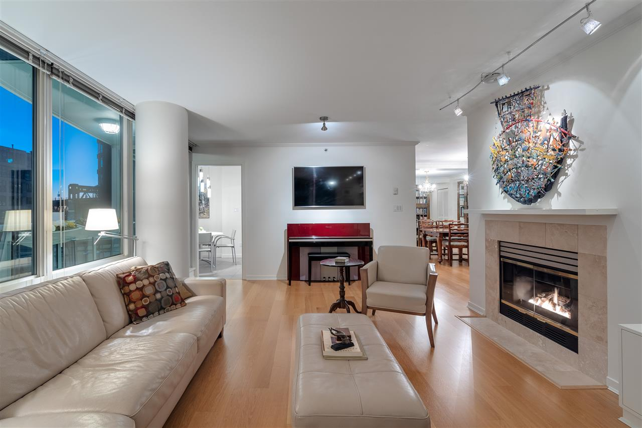 606 1500 HORNBY STREET - Yaletown Apartment/Condo for sale, 2 Bedrooms (R2447198) - #2