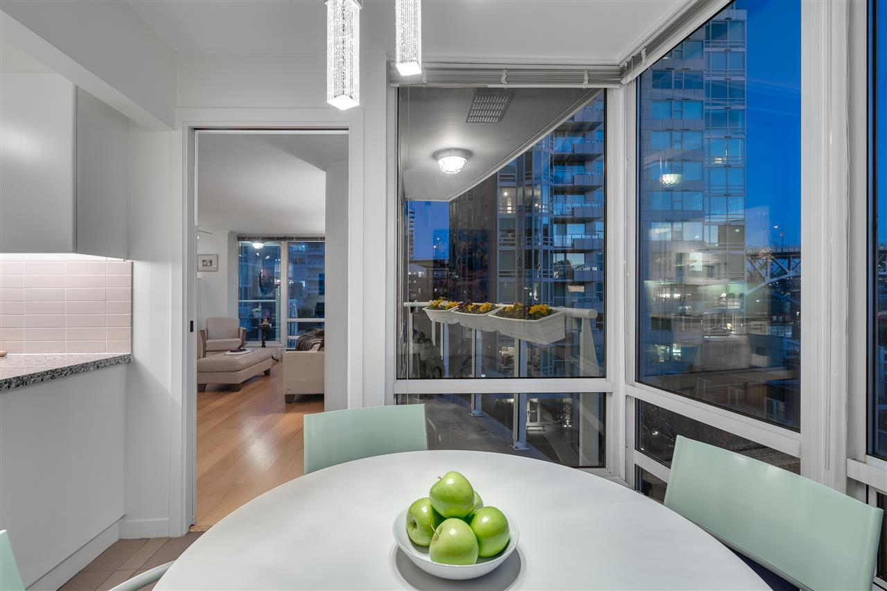 606 1500 HORNBY STREET - Yaletown Apartment/Condo for sale, 2 Bedrooms (R2447198) - #9