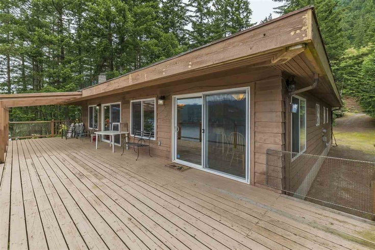 7025 ROCKWELL DRIVE - Harrison Hot Springs House/Single Family for sale, 3 Bedrooms (R2447905)