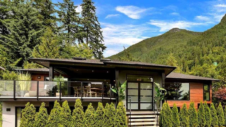 8550 ANSELL PLACE - Howe Sound House/Single Family for sale, 4 Bedrooms (R2448769)
