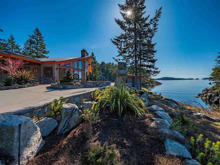 10871 SUNSHINE COAST HIGHWAY - Halfmn Bay Secret Cv Redroofs House with Acreage for sale, 4 Bedrooms (R2449116)