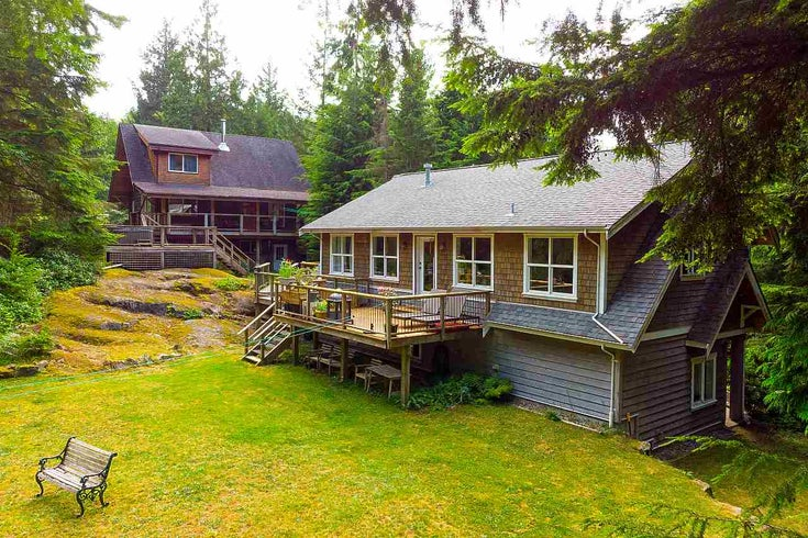 351 JOSEPHINE DRIVE - Bowen Island House with Acreage for sale, 3 Bedrooms (R2451957)