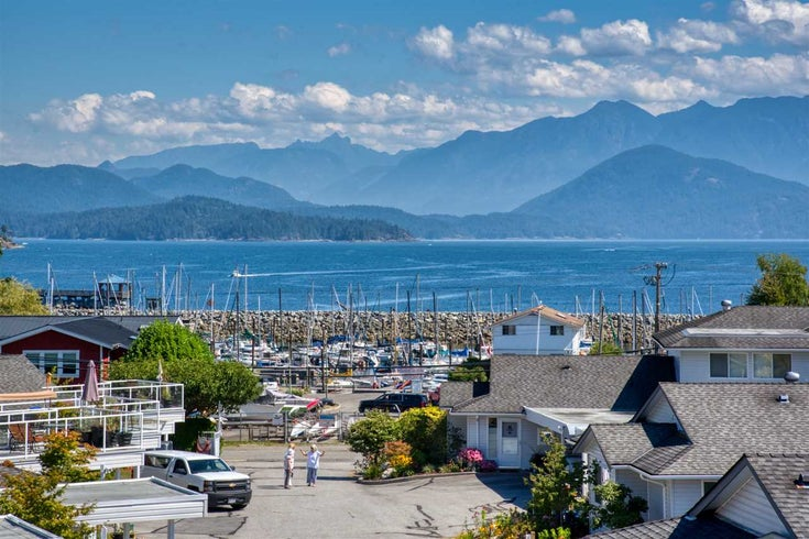 37 696 TRUEMAN ROAD - Gibsons & Area Townhouse for sale, 2 Bedrooms (R2453911)