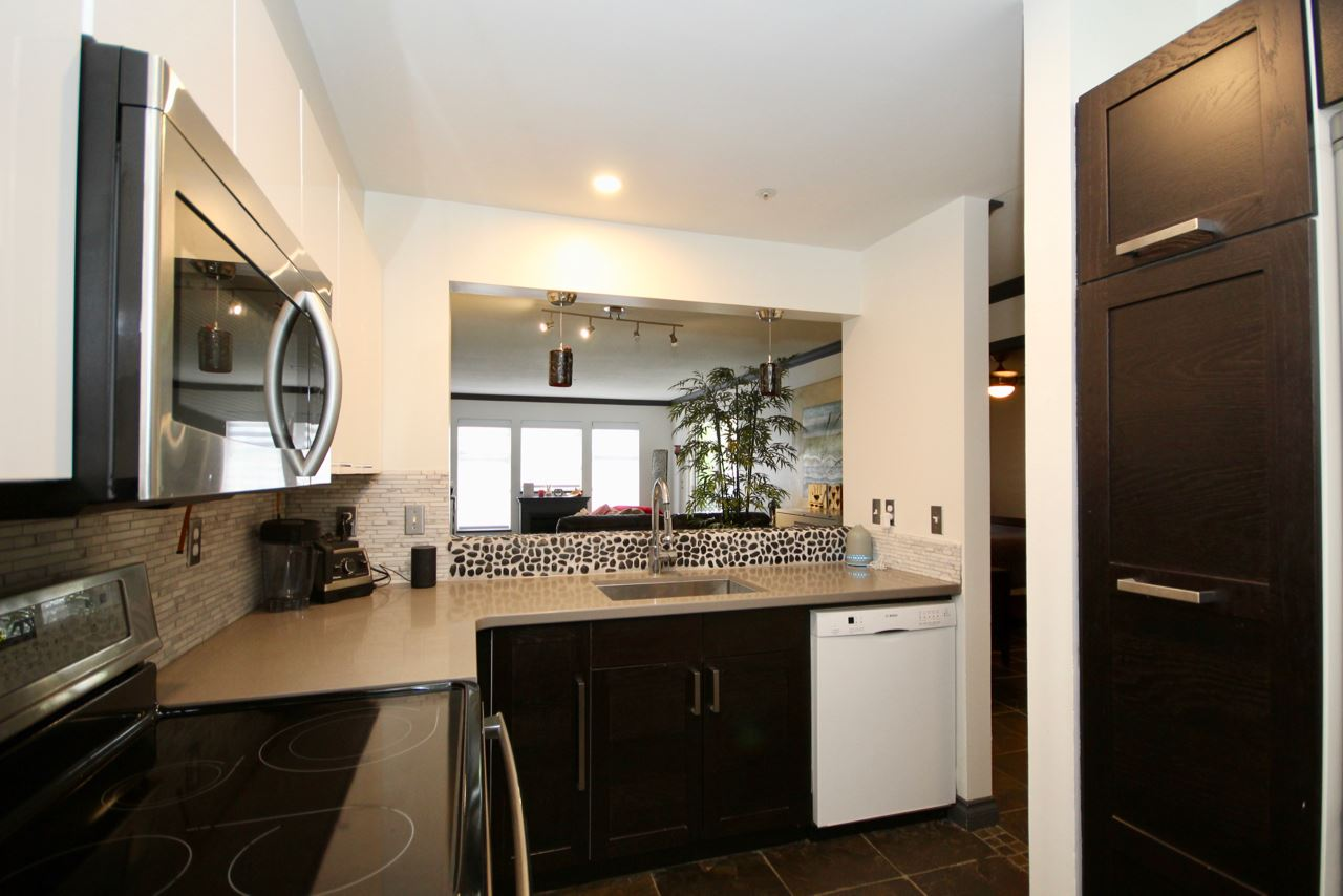 201 1369 56 STREET - Cliff Drive Apartment/Condo for sale, 2 Bedrooms (R2455271) - #1