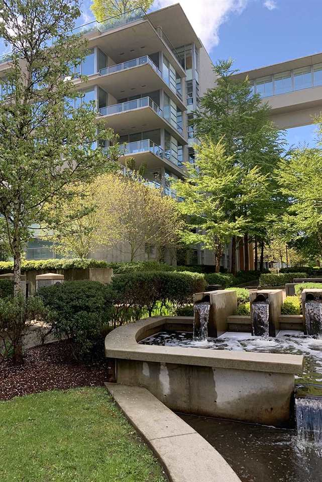 407 3382 WESBROOK MALL - University VW Apartment/Condo for sale, 2 Bedrooms (R2455346) - #1
