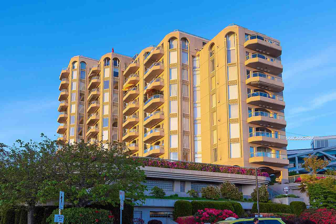 603 168 CHADWICK COURT - Lower Lonsdale Apartment/Condo for sale, 3 Bedrooms (R2458808)