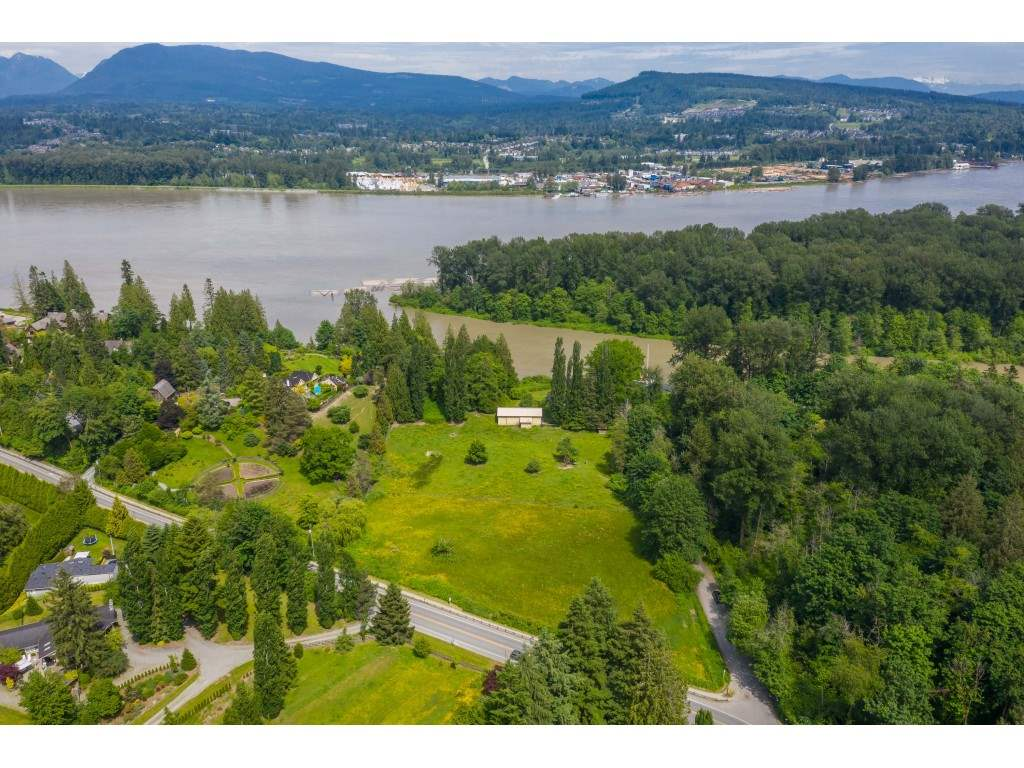 10114 ALLARD CRESCENT - Fort Langley House with Acreage for sale, 2 Bedrooms (R2459133) - #1