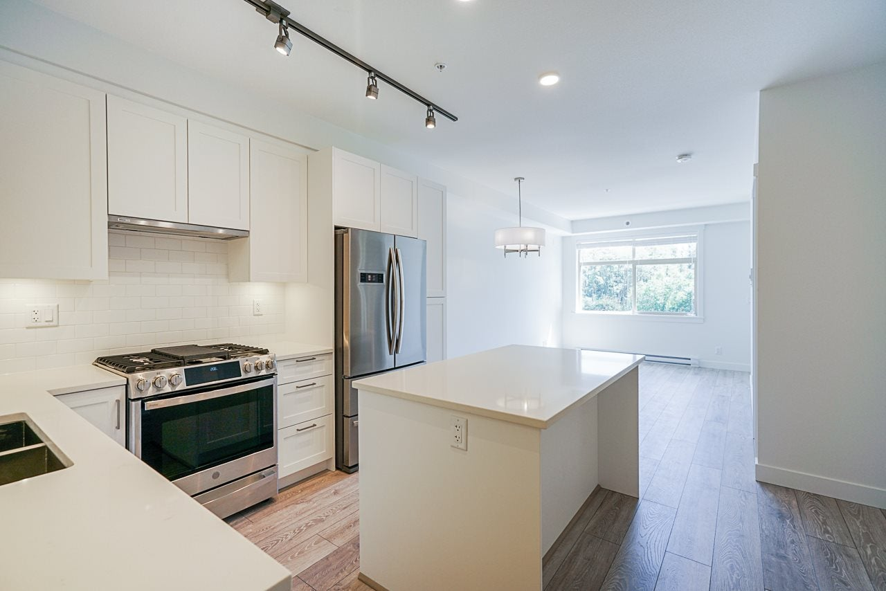 120 20673 78 AVENUE - Willoughby Heights Apartment/Condo for sale, 2 Bedrooms (R2460273)