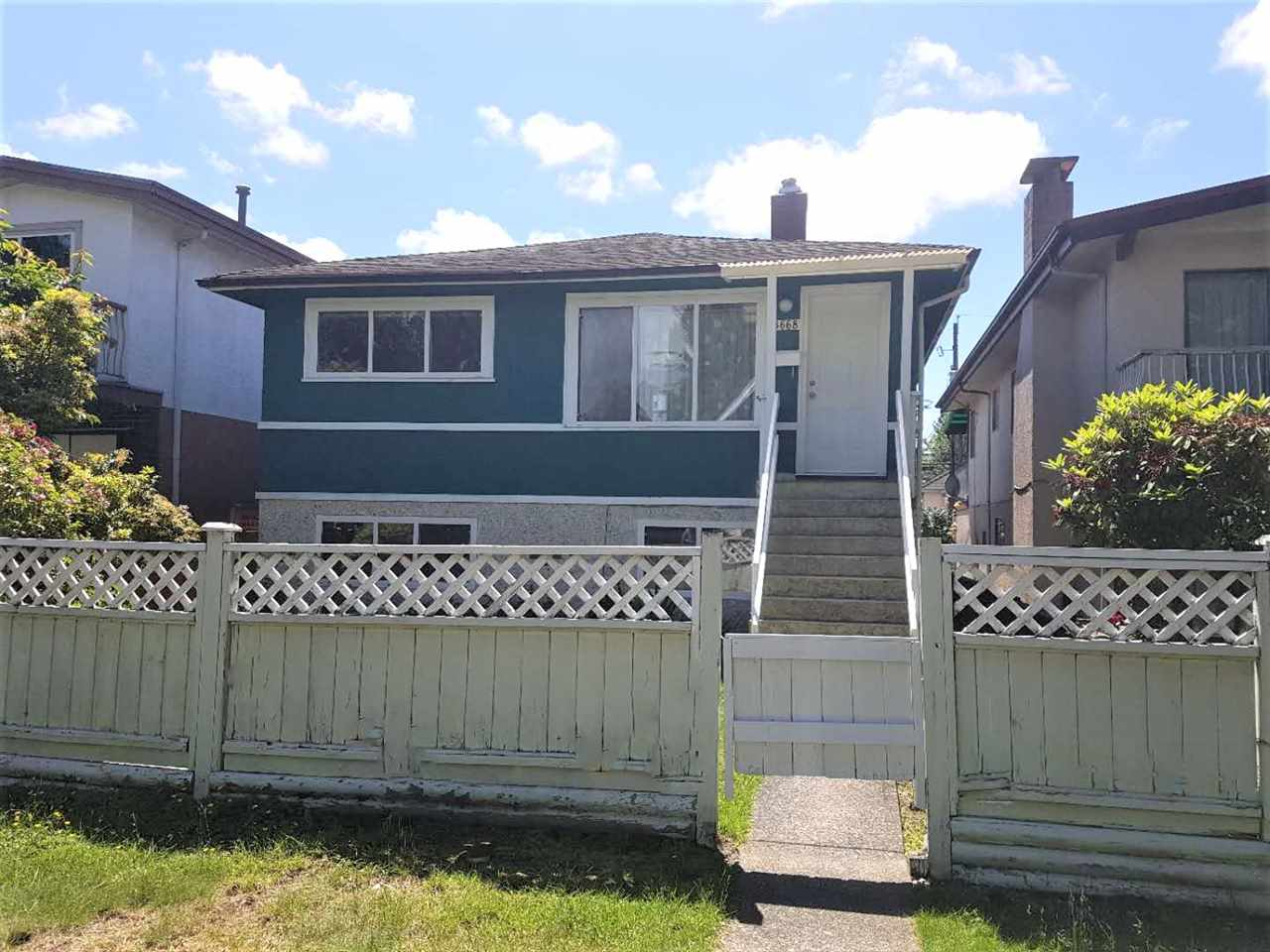 3668 NAPIER STREET - Renfrew VE House/Single Family for sale, 4 Bedrooms (R2461557)
