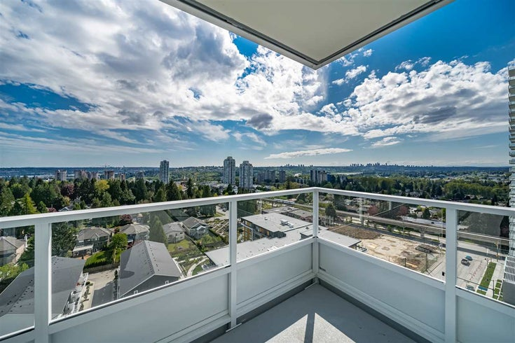 1402 525 FOSTER AVENUE - Central Coquitlam Apartment/Condo for sale, 2 Bedrooms (R2461947)