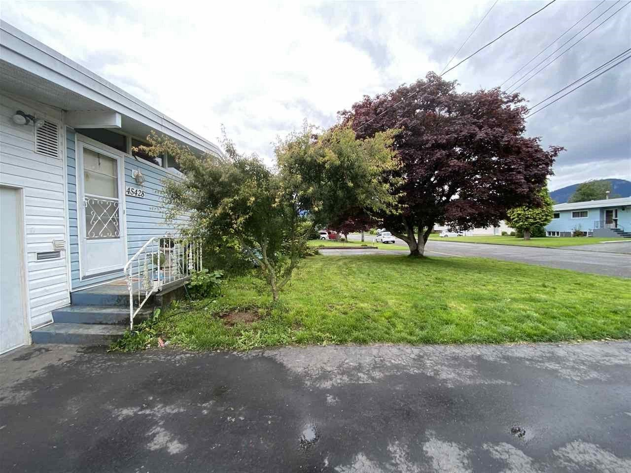 45428 PRINCESS AVENUE - Chilliwack W Young-Well House/Single Family for sale, 5 Bedrooms (R2462736)