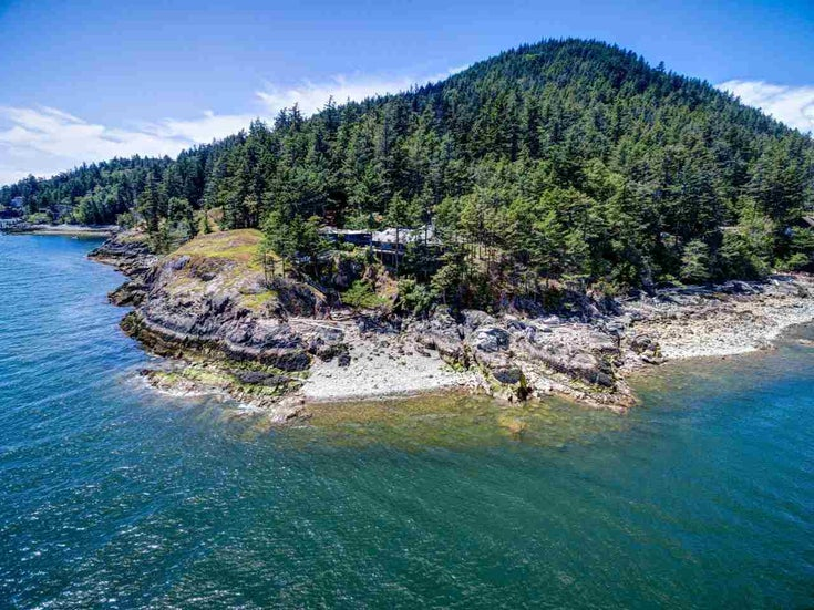 1693 OLD EAGLE CLIFF ROAD - Bowen Island House with Acreage for sale, 3 Bedrooms (R2464321)