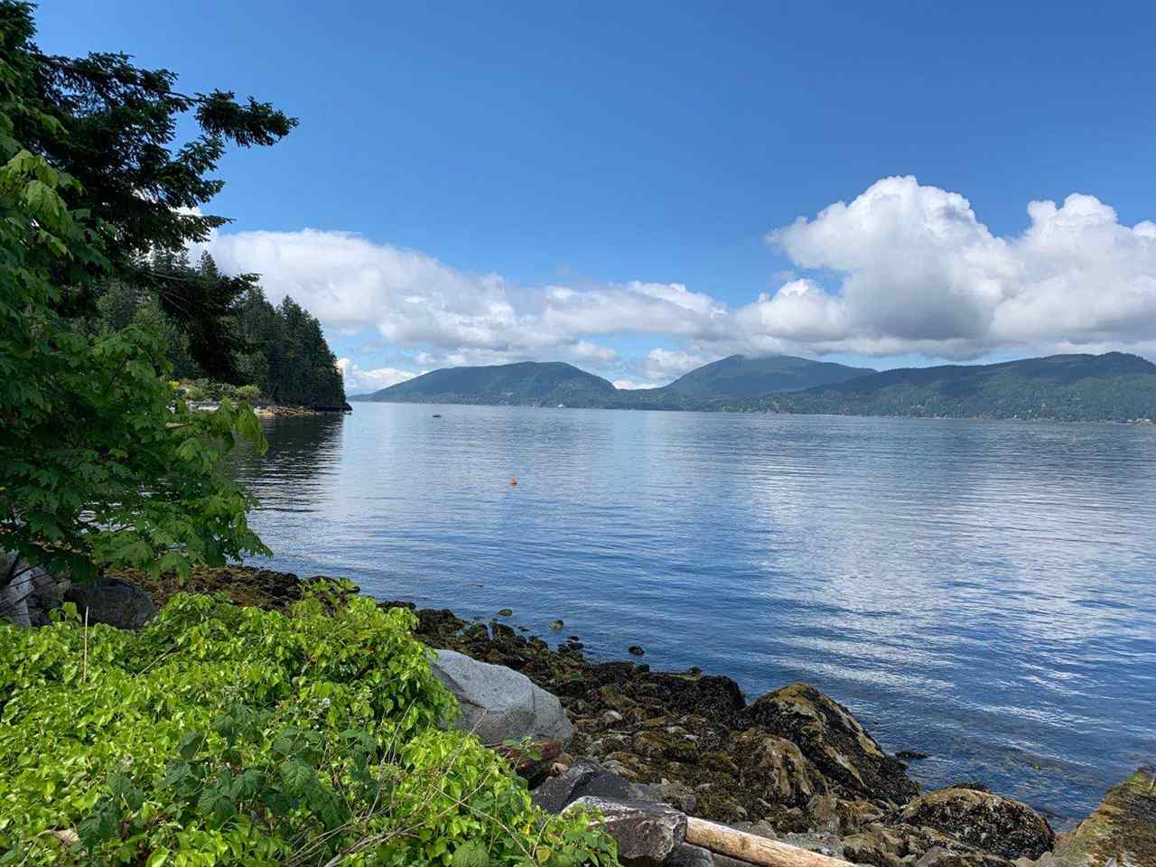 8885 LAWRENCE WAY - Howe Sound House/Single Family for sale, 5 Bedrooms (R2464543) - #1