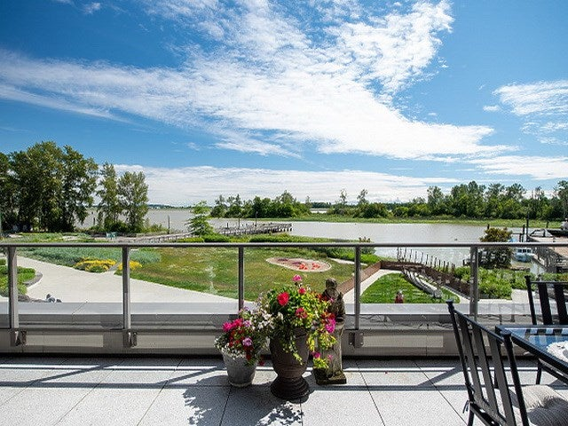 207 6160 LONDON ROAD - Steveston South Apartment/Condo for sale, 2 Bedrooms (R2464635)