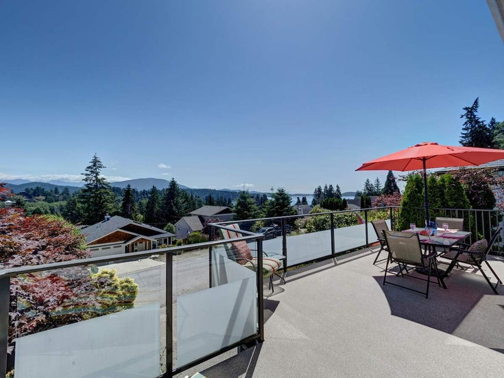 808 BAYVIEW HEIGHTS ROAD - Gibsons & Area House/Single Family for sale, 3 Bedrooms (R2467280)