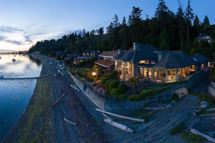 758 TSAWWASSEN BEACH ROAD - English Bluff House/Single Family for sale, 2 Bedrooms (R2468174)