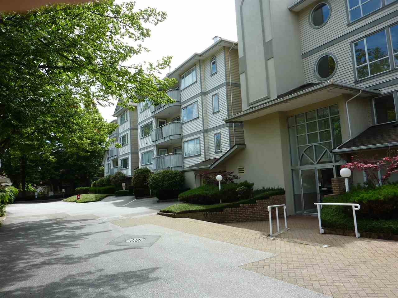 205 8120 BENNETT ROAD - Brighouse South Apartment/Condo for sale, 2 Bedrooms (R2468330)