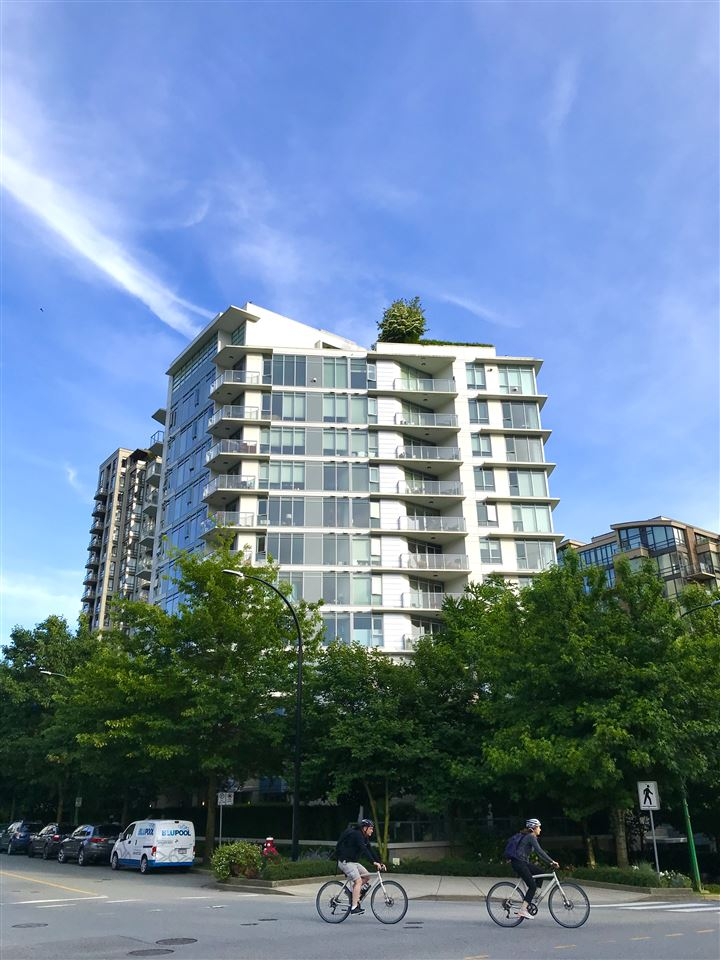 803 175 W 2ND STREET - Lower Lonsdale Apartment/Condo for sale, 2 Bedrooms (R2468355)