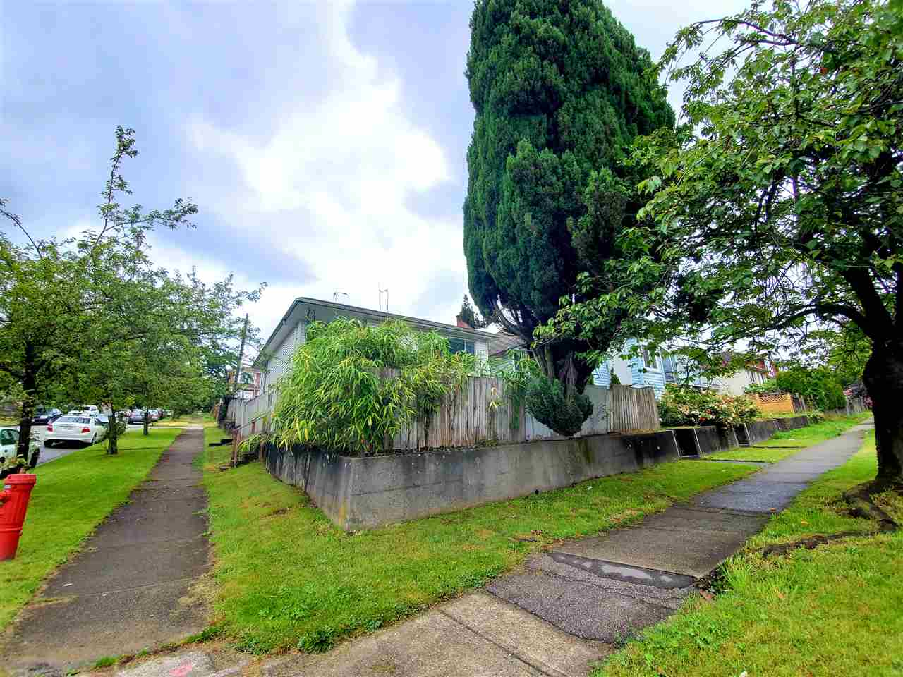 805 SE MARINE DRIVE - South Vancouver House/Single Family for sale, 4 Bedrooms (R2468891)