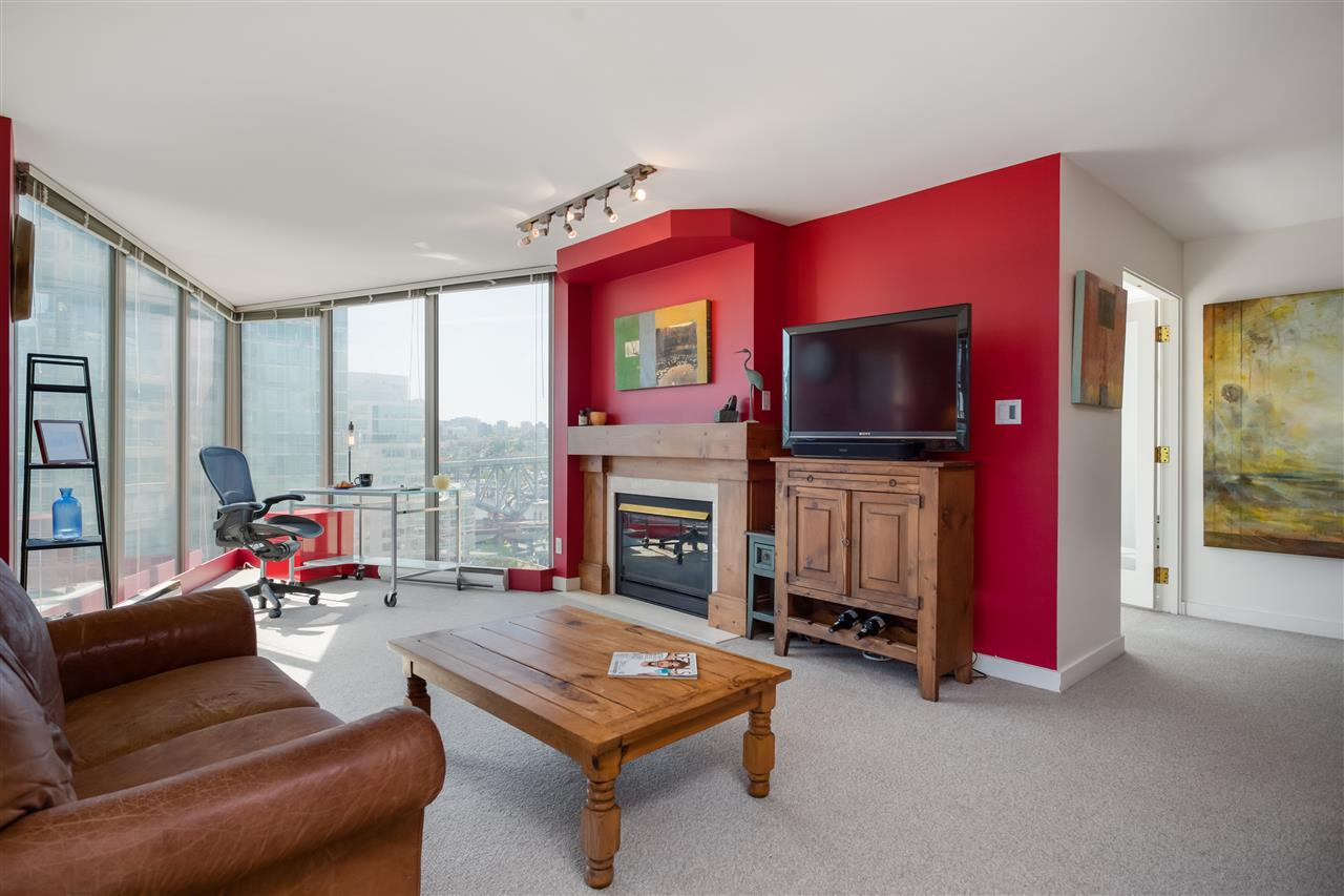 1401 1000 BEACH AVENUE - Yaletown Apartment/Condo for sale, 2 Bedrooms (R2469143) - #3