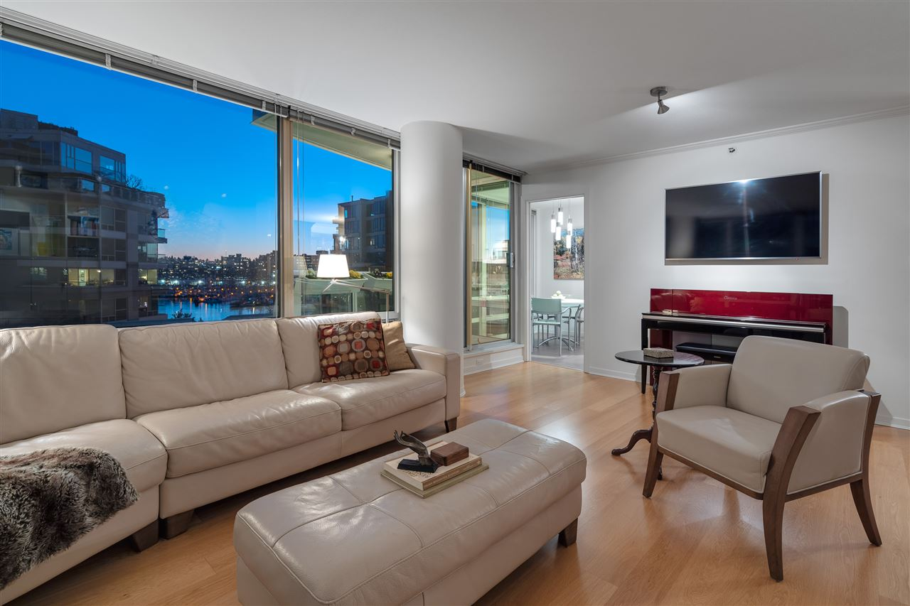 606 1500 HORNBY STREET - Yaletown Apartment/Condo for sale, 2 Bedrooms (R2469325) - #2