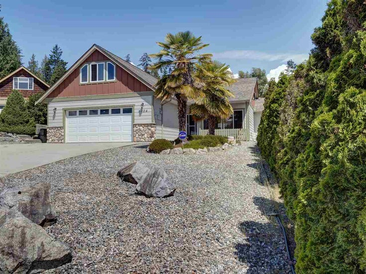 6304 SAMRON ROAD - Sechelt District House/Single Family for sale, 3 Bedrooms (R2469444)