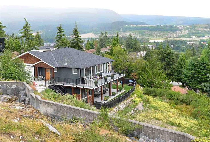 5765 GENNI'S WAY - Sechelt District House/Single Family for sale, 5 Bedrooms (R2469614)