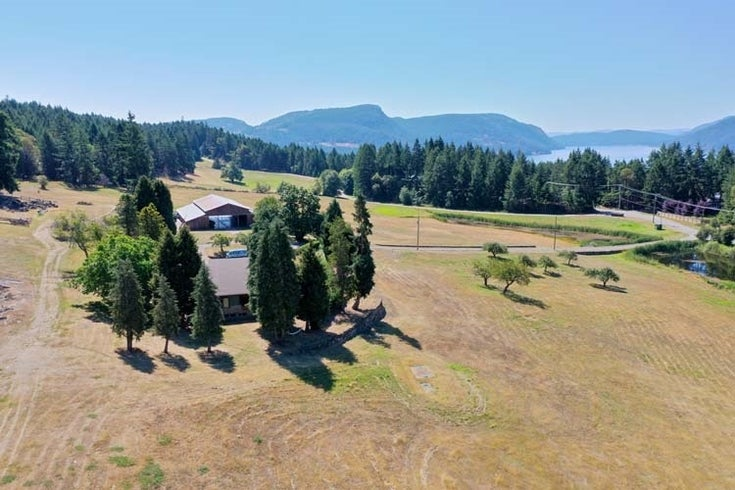 361 SUNSET DRIVE - Salt Spring Island House with Acreage for sale, 6 Bedrooms (R2469636)