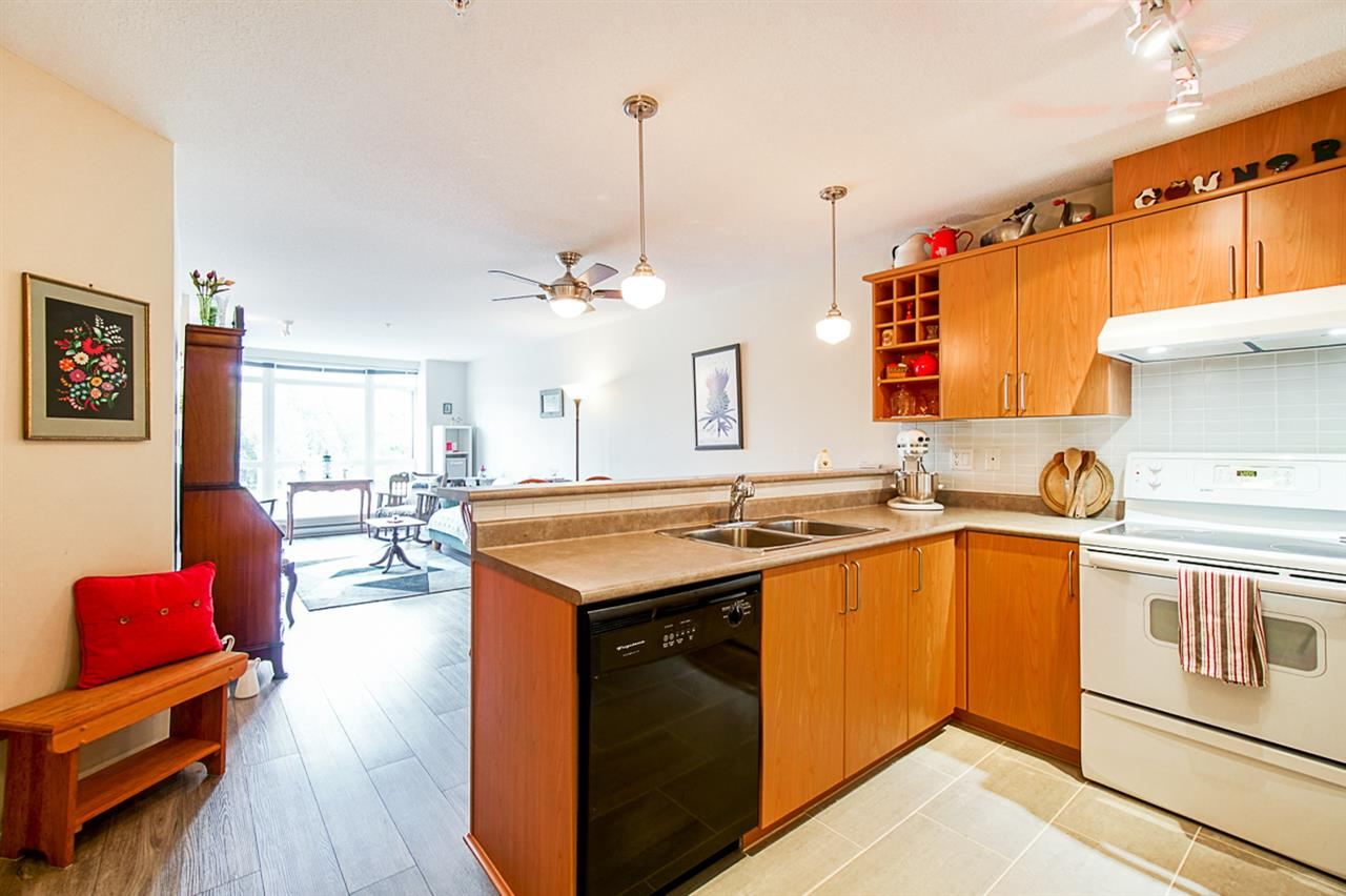 310 3142 ST JOHNS STREET - Port Moody Centre Apartment/Condo for sale, 2 Bedrooms (R2469785) - #2