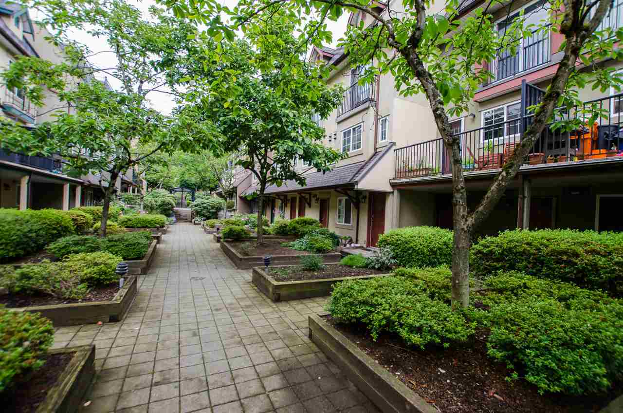 13 1561 BOOTH AVENUE - Maillardville Townhouse for sale, 2 Bedrooms (R2470064) - #23