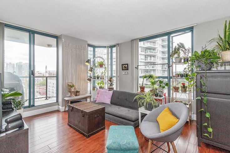 801 828 AGNES STREET - Downtown NW Apartment/Condo for sale, 1 Bedroom (R2470538)