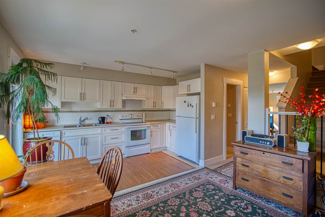 6 6233 TYLER ROAD - Sechelt District Townhouse for sale, 3 Bedrooms (R2470875) - #1